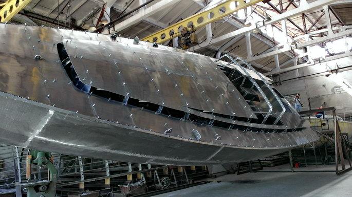 Explorer54-aluminumhullturnover1
